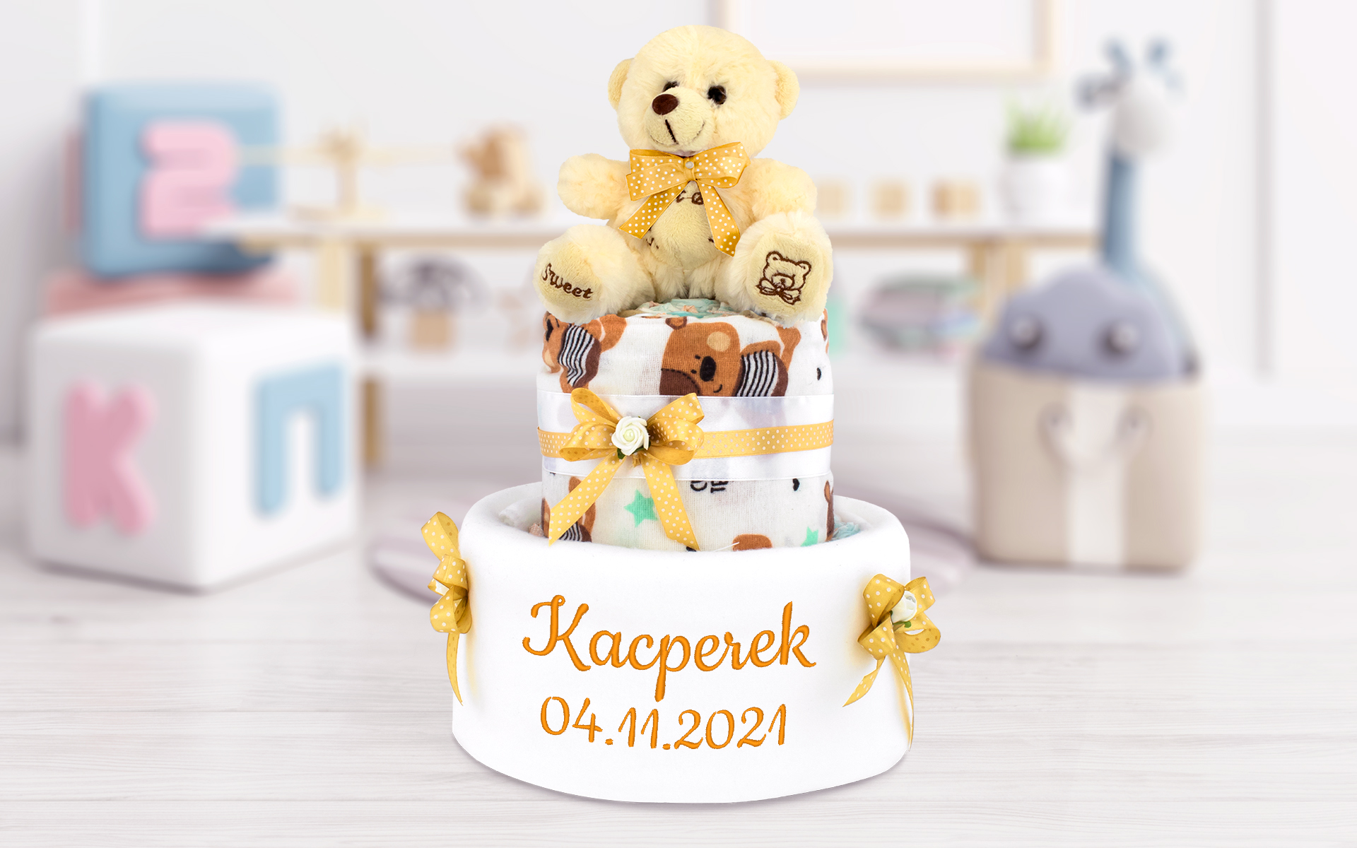 Tort z pampersów - prezent na Chrzciny